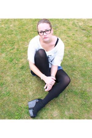 navy H&M shorts - white Topshop t-shirt - black H&M wedges - ray-ban glasses