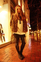 black Topshop boots - mustard H&M coat - off white selfmade t-shirt - black H&M