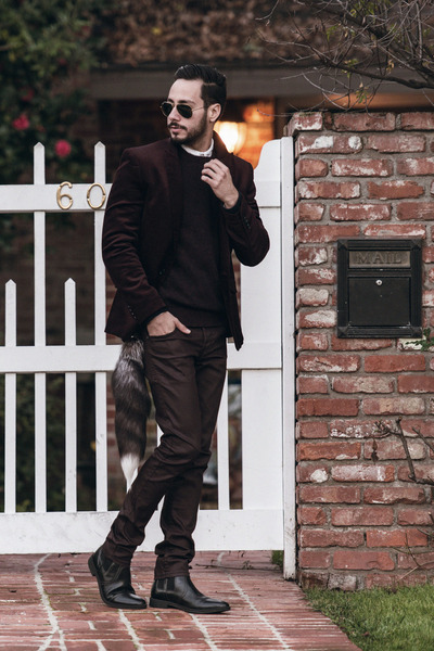 crimson Hot Topic jeans - black Stacy Adams boots - crimson Lacoste sweater