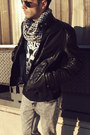 Black-leather-zara-jacket-heather-gray-hot-topic-jeans