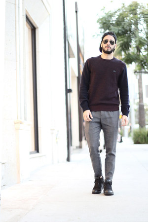 black ray-ban sunglasses - navy Lacoste sweater - heather gray Zara pants