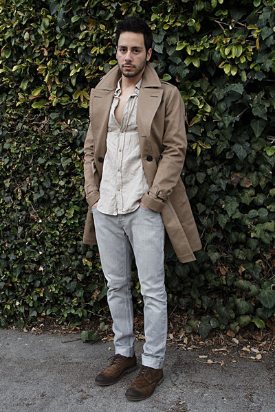 dark brown brogue shoes Zara shoes - tan trench coat Burberry coat