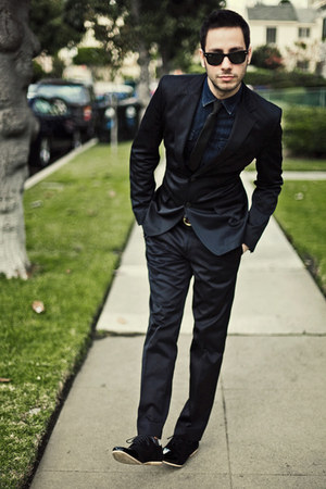 black Zara suit - black AntoineStanley shoes - navy H&amp;M shirt
