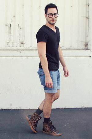 black H&M shirt - black H&M shorts - brown leopard Michael Kors sneakers