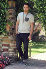 Brown-skull-happiness-is-a-10-tee-necklace-navy-hot-topic-jeans