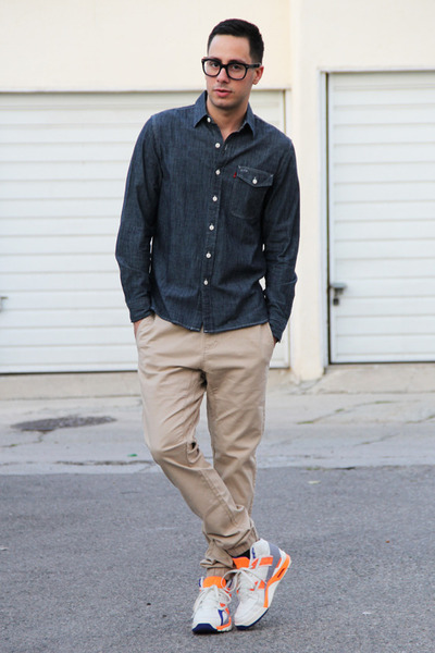 navy chambray Levis shirt - beige chinos Hot Topic pants