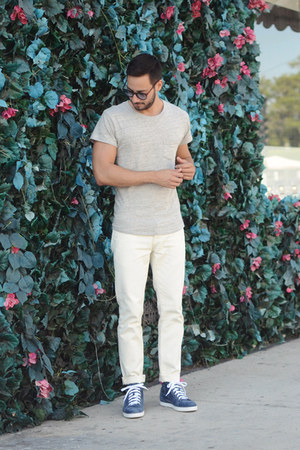 Forever21 jeans - Levis shirt - Christian Louboutin sneakers