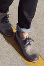 Charcoal-gray-tsubo-shoes-navy-hot-topic-jeans-deep-purple-levis-shirt