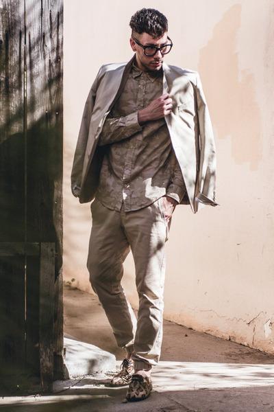 beige leopard Penelope & Coco shoes - beige H&M blazer - beige Forever21 shirt