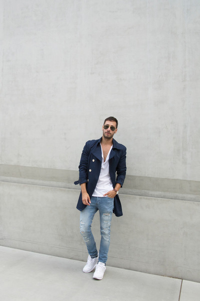 Navy-trench-h-m-coat-light-blue-h-m-jeans-white-h-m-shirt
