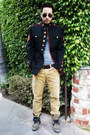 Aldo-boots-thrifted-vintage-jacket-aviator-ray-ban-sunglasses