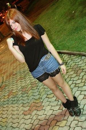 leather boots I Dont Remember boots - black basic pernambucanas shirt - biker sh