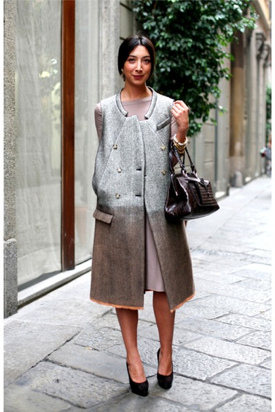black bag - silver coat - black pumps