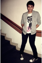 gray Zara cardigan - white Zara shirt - black jeans - silver Kartel shoes