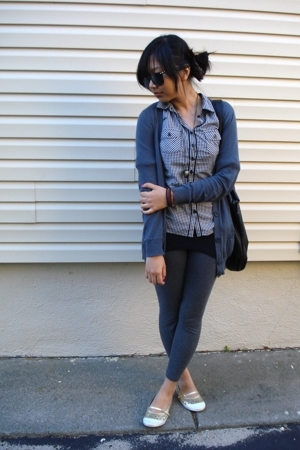 Century 21 leggings - Urban Outfitters sunglasses - H&M shirt - shoes