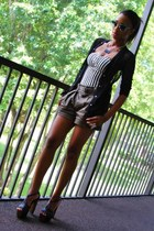 olive green belted cargo Alice  Olivia shorts - black dany Jessica Simpson heels