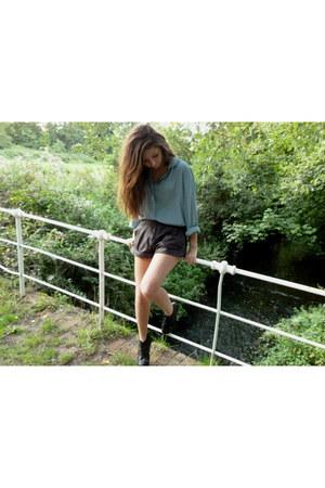 evil twin shorts - vintage shirt - Jeffrey Campebll heels