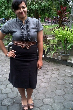 blouse - black skirt - brown wedges