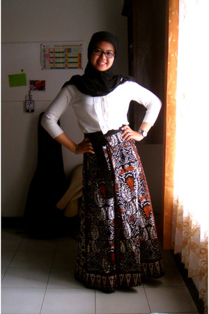 MNG cardigan - Batik Indonesia skirt - ice cube glasses