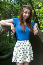blue BDG t-shirt - white Urban Outfitters skirt - blue essie nail polish accesso