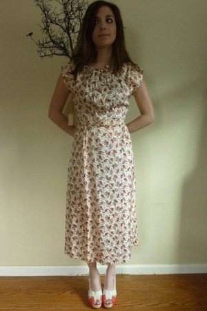 Vintage- new from Macys 1940s dress