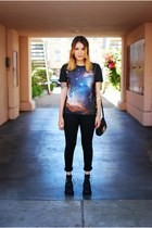 blue Galaxy leggings shirt - black Jeffrey Campbell boots