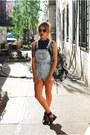Topshop-shirt-urban-outfitters-jumper-zara-sandals