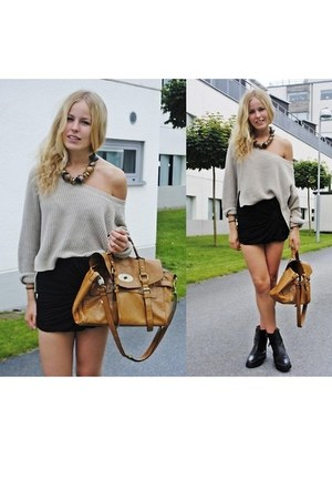 black boots - heather gray H&M shirt - light brown bag - black skirt