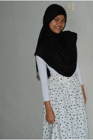 navy handmade skirt - black scarf - navy flats