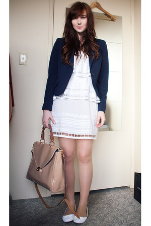patent leather none bag - lace Shakuhachi dress - thifted blazer
