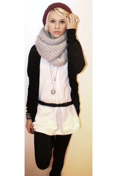 6fd9e3f83c9 red hat - black cardigan - gray scarf - white blouse - black leggings -  silver