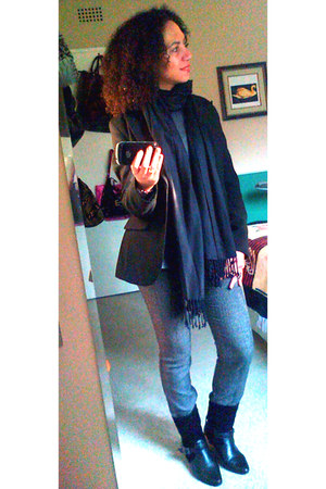 black Zara blazer - black Pashmena scarf
