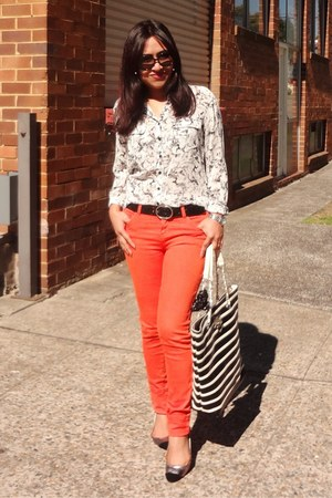 black Colette bag - carrot orange Tommy Hilfiger jeans - white Guess shirt