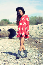 Wildfox sweater - Urban Outfitters boots - kirra skirt