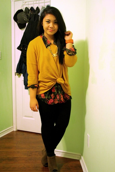 mustard H&M sweater - black Talula leggings - gold thrifted necklace