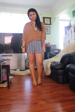 burnt orange tail hemmed papaya blouse - black striped thrifted shorts