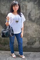 top - Forever21 jeans - shoes