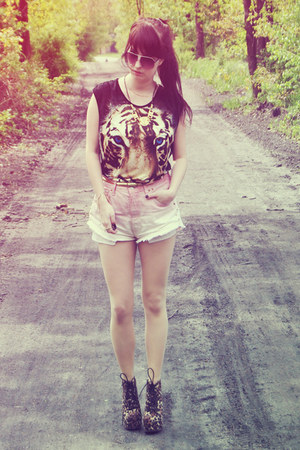 tiger print suger sugar t-shirt - leopard print Deashop boots