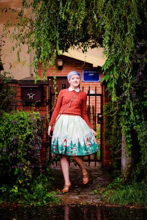 aquamarine printed Rosegal skirt - brick red vintage sweater