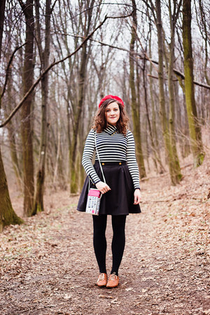magenta Disaster Designs bag - tawny Ambra shoes - red old hat