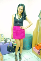 black Charlotte Russe top - pink buy  sm skirt - black Matthews shoes - chanel q