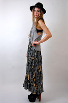 chain hat - diy vintage top - floral maxi Rock Paper Vintage skirt
