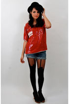 red vintage from Rock Paper Vintage top - blue Lee shorts - black House of Holla