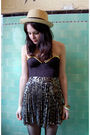 Black-bra-black-vintage-from-rock-paper-vintage-skirt