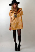 orange tie dye Rock Paper Vintage dress - black floppy Forever 21 hat
