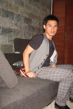 black Topman shirt - dark brown Bally bag - charcoal gray Topman vest - gray Zar