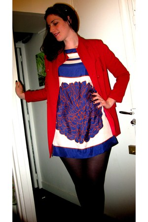 blue Zara dress - red monoprix coat - gold headband vintage accessories