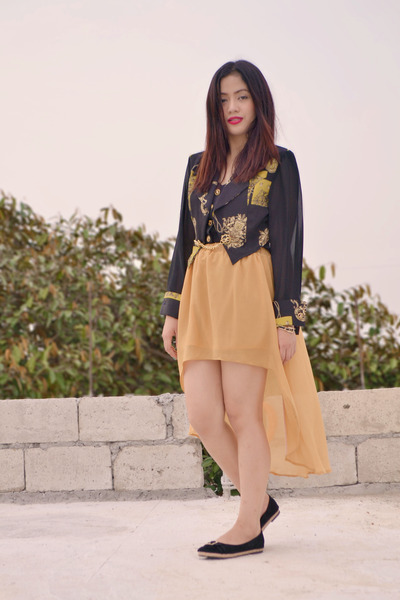 mustard sheer tutuban skirt - black sheer vintage top - black velvet 168 flats
