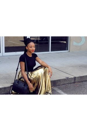 black polyurethane Zara bag - black American Apparel t-shirt - gold Etsy skirt