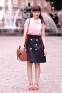 Brown-lush-bag-ruby-red-vintage-accessories-brick-red-pastelle-sandals
